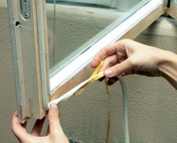 Как утеплить пластиковое окно своими руками